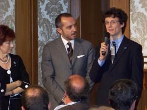 Un breve intervento di Donadello alla conferenza in Senato, di fianco a Di Mare e Ketmaier